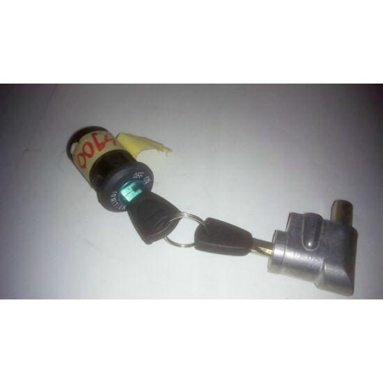 Elektromos gyújtáskapcsoló akku zárral bepattintos
